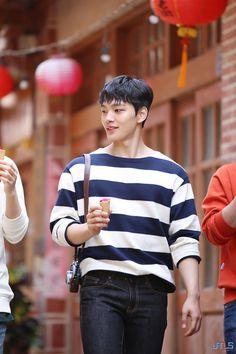 Handsome Korean Actors, Handsome Boys, Asian Boys, Asian Men, Jin Goo, Sad Movies, Boy Models, Child Actors, Kdrama Actors
