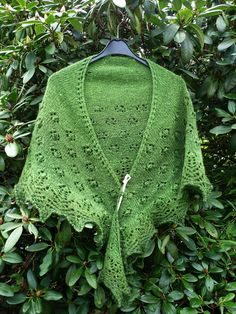 "Free Patterns «Knitted ""Spring Flowers"" Shawl by Beyenburgerin\'s Weblog"