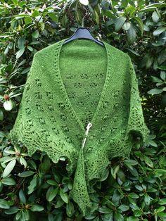 "Free Patterns «Knitted ""Spring Flowers"" Shawl by Beyenburgerin\'s Weblog"