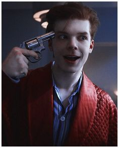 cameron monaghan cameron monaghan after juli dies, leo starts to lose sight of himself and his vision and the bipolar disorder he inherited from his dad doesnt help<br> Gotham Bruce, Jerome Gotham, Gotham Joker, Batman Arkham, Gotham Characters, Gotham Villains, Gotham City, The Beast, Cameron Monaghan Gotham