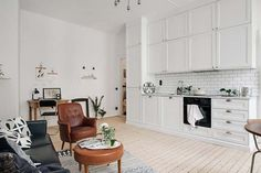 Kastellgatan 20 B, Linnéstaden Living Room Kitchen, Living Room Inspiration, Small Apartments, Decoration, Home Projects, Kitchen Cabinets, House Design, Interior Design, Furniture