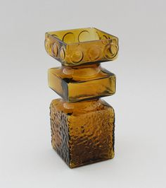 "TAMARA ALADIN - Glass vase ""Kehrä"" for Riihimäen Lasi Oy 1968-1976, Finland. [h. 20 cm, w. 8,5 cm x 8,5 cm] Glass Design, Design Art, Aladdin, Finland, Art Inspo, Modern Contemporary, Glass Art, Retro Vintage, Decorative Boxes"