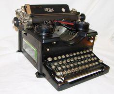 Royal  regal type machine  typewriter companie inc. 75 varick st. new york  USA  typemachine