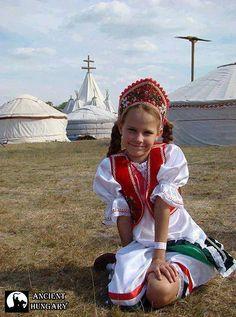 Ancient Hungary Folk Costume, Costumes, Hungary History, Hungarian Women, Folk Dance, Passionate People, Amazing Pics, People Around The World, Baby Strollers