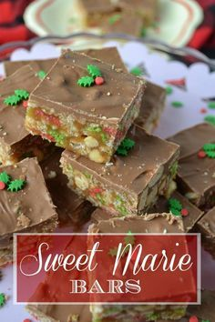 A festive chewy caramel and krispie peanuty treat that tastes just like a Sweet Marie bar. Chocolate bar that is! A festive chewy caramel and krispie peanuty treat that tastes just like a Sweet Marie bar. Chocolate bar that is! Candy Recipes, Sweet Recipes, Baking Recipes, Holiday Recipes, Dessert Recipes, Christmas Recipes, Mint Recipes, Baking Pan, Christmas Cooking