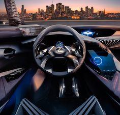Lexus UX Concept 2017 Se liga neste painel: é a aposta da Lexus marca de luxo da Toyota para o design interno dos carros num futuro próximo. O UX Concept é um SUV compacto e esse painel é introduz o conceito de Immersive 3-D Driving Experience. De fato a cabine parece abraçar o motorista numa completa interação homem-máquina através de interface carregada de tecnologia com comandos de voz telas de alta definição e hologramas. Repare no pequeno retrovisor ao canto superior esquerdo: essa peça…