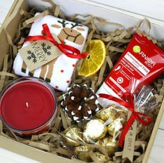 Gorgeous DIY Christmas Gift Baskets for Teen Girls Xmas gift suggestions – strange Xmas ideas Out of all items that we've previously discovered und Diy Gift Baskets, Christmas Gift Baskets, Christmas Gift Box, Christmas Presents, Holiday Gifts, Christmas Crafts, Birthday Box, Birthday Gifts, Homemade Gifts