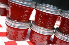 Jam wedding favor, Spread the Love with 125 4oz homemade strawberry pineapple jam wedding or shower favors, party favor, wedding favor