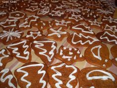 Estonian Christmas cookies: piparkoogid.