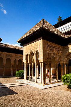 Patio de los Leones, Granada.