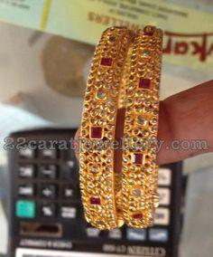 Jewellery Designs: Uncut Diamond Bangles