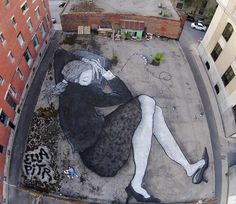 Giant_Rooftop_Murals_of_Sleeping_Humans_by_French_Artists_Ella_Pitr_2015_03