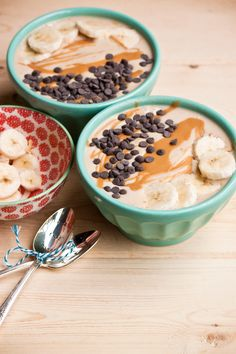 Could be good for Sehri: The Ultimate Peanut Butter Smoothie Bowl by Vegan À La Mode (Vegan and Gluten-Free) Smoothies Vegan, Paleo Smoothie Recipes, Peanutbutter Smoothie Recipes, Peanut Butter Smoothie, Healthy Peanut Butter, Vegan Recipes, Smoothie Drinks, Vegan Food, Soup Recipes