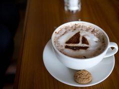 sailboat cappuccino.