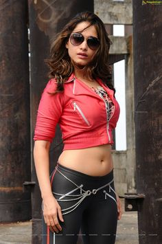 Tamanna Bhatia Awesome Hot & Stunning Spicy pics Showing Her Navel,Melons & Sexy Back