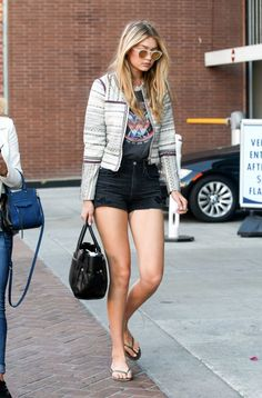 gigi-hadid-leggy-in-shorts-out-in-beverly-hills-april-2015_6