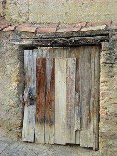 Puerta en Rubielos de Mora ( Teruel)