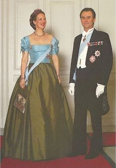 Queen Margrethe wore this tiara, likely for a dinner in the Denmark Royal Family, Greek Royal Family, Danish Royal Family, Queen Margrethe Ii, Casa Real, Danish Royals, Royal Jewelry, Royal House, Prince And Princess