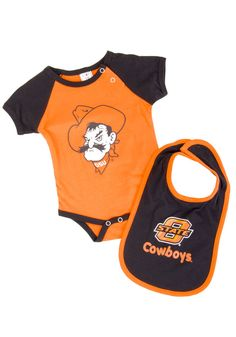 Oklahoma State University Cowboys (OSU) Infant / Baby Orange and Black Onesie and Bib Set