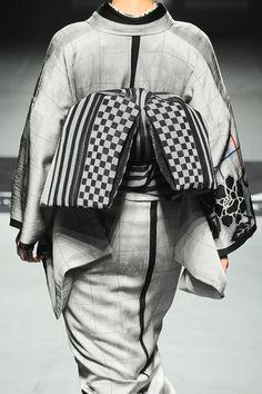 ジョウタロウ サイトウ2014AW コレクション Gallery17 Kimono Japan, Japanese Kimono, Traditional Kimono, Traditional Dresses, Tokyo Fashion, Kimono Fashion, Japanese Lifestyle, Modern Kimono, Kimono Design
