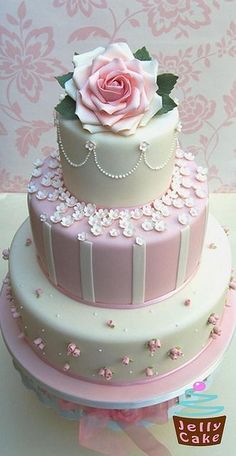 Pink Roses and Blossoms Wedding Cake | Idées de décoration intérieure | Pinterest | Wedding, Blossoms and Pink roses