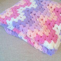 granny ripple Crochet Geek, Crochet Baby, Bella Coco, Crochet Projects, Blankets, Chevron, Diy Crafts, Knitting, Pretty