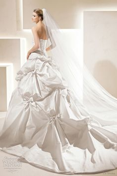 20 Stunning Wedding Gowns For Spring Wedding