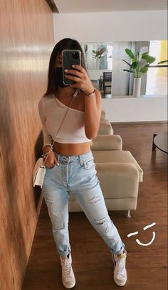 Teen Fashion Outfits, Mode Outfits, Look Fashion, Girl Outfits, Cute Casual Outfits, Simple Outfits, Looks Style, Casual Looks, Aesthetic Clothes