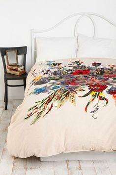 Romantic Floral Duvet Cover, by Urban Outfitters Urban Outfitters, Dream Bedroom, Home Bedroom, Bedrooms, Extra Bedroom, Bedroom Inspo, Bedroom Ideas, Master Bedroom, Bedroom Decor
