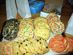Piscoturi+pufoase Cereal Treats, Feel Good Food, Cookie Desserts, Chocolate Chip Cookies, Feel Better, Fudge, Bakery, Food And Drink, Brownies
