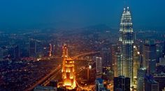 1017 (30 Really Well Captured Architecture Photographs) - Petronas Twin Tower in KL