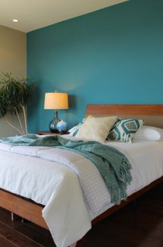 48 Colorful Master Bedroom Designs That Act Pleasing To The Eye Prepossessing Teal Bedroom Design Design Decoration