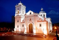 The first Cathedral built in Latin America Colombian People, Colombian Cities, San Gil, Largest Countries, Countries Of The World, Colombia South America, Latin America, Historical Sites, Beautiful Landscapes