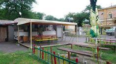 A legjobb hamburger nyomában: Bodega Budapest, Hamburger, Cabin, Drinks, House Styles, Home Decor, Drinking, Homemade Home Decor, Beverages