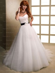 BallGown Sweetheart Tulle Satin Chapel Train White Flowers Wedding Dresses