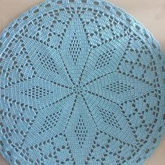 Easy Crochet Hat, Crochet Mat, Crochet Dollies, Crochet Baby Booties, Crochet Round, Thread Crochet, Crochet Table Runner Pattern, Crochet Doily Patterns, Crochet Tablecloth