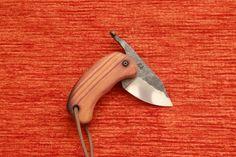 """coltello pieghevole forgiato  """"topolino"""" www.coltellodelfabbro.it"""