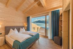 The perfect base in the Dachstein Massif for sports enthusiasts, clubs, families and couples: the Rittis Alpin Chalets between the Dachstein & Rittisberg mountains. Outdoor Furniture, Outdoor Decor, Natural Materials, Living Area, Modern, Warm, Mountains, Bathroom, Create