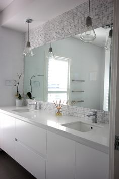 Contemporary style kitchens and bathroom at Highland Kitchens.