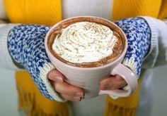 Lisämakua herkkukaakaoon saa maustamalla sitä esimerkiksi chilillä, kanelilla tai kardemummalla. #hotchocolate #kaakao #kuumajuoma #herkku Tableware, Dinnerware, Tablewares, Dishes, Place Settings