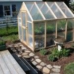 How to Build a Greenhouse or Chicken Coop    Wood Pallets