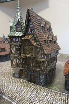 Cast of resin by Tabletop World Listed as a mansion. Medieval Houses, Medieval Town, Medieval Fantasy, Casa Estilo Tudor, Fantasy House, Fantasy Village, Building Concept, Wargaming Terrain, Warhammer Fantasy