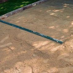 l'épaisseur Piscine Diy, Bocce Ball Court, Garden Tools, Sidewalk, Construction, Couches, Architecture, Jouer, Design