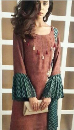 @iragrynda Kurti Neck Designs, Salwar Designs, Sleeve Designs, Blouse Designs, Pakistani Dresses, Indian Dresses, Indian Outfits, Kurta Patterns, Dress Patterns