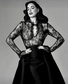 Dita Von Teese: Enter the Glamonatrix ⋆ Century Burlesque Magazine Dita Von Teese Burlesque, Dita Von Teese Style, Pierre Balmain, Pinup, Estilo Dark, Dita Von Tease, Fashion Mode, Fashion Beauty, Old Hollywood Glamour