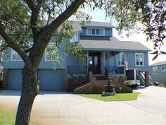 1123 Soundview Trl, Gulf Breeze, FL, 32561 shared via RESAAS Kidney Shaped Pool, Gulf Breeze, Boat Lift, Pensacola Beach, Boat Dock, Waterfront Homes, Great View, Granite Countertops, Luxury Living
