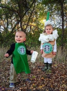 Starbucks Baby Costume - Halloween Costume Contest via Costume Halloween Duo, Starbucks Halloween Costume, Matching Halloween Costumes, Twin Halloween, Cute Halloween, Costume Ideas, Funny Toddler Halloween Costumes, Costume Ninja, Infant Halloween