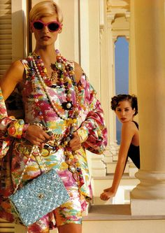Linda & Christy for Chanel, 1991, by Karl Lagerfeld. Always classy