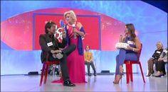 #uominiedonne Tina Cipollari fa trucco e parrucco a Gianluca