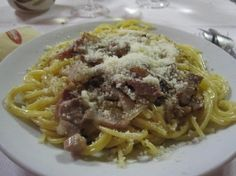 Orvieto - Restaurant: Mezza Luna (known for carbonara and affordable prices)